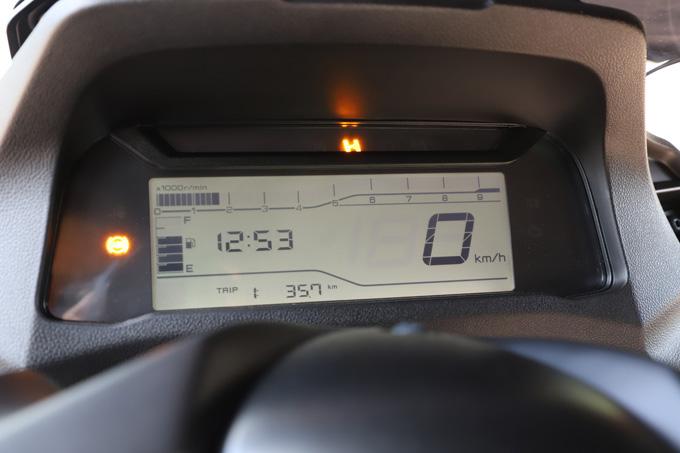 【ヤマハ トリシティ300 試乗記】フロント2輪で抜群の安定感と自然な旋回性を誇る「LMW」に自立サポート機能を装備したニューモデルが登場の10画像