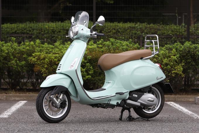 【ベスパ プリマベーラ150 試乗記】美しいボディラインが生み出す優雅さと、現代的な装備&走りを兼ね備えたイタリアンスクーターの04画像