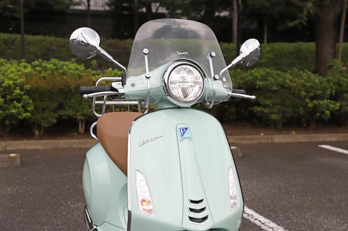 【ベスパ プリマベーラ150 試乗記】美しいボディラインが生み出す優雅さと、現代的な装備&走りを兼ね備えたイタリアンスクーターの09画像