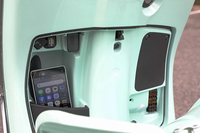 【ベスパ プリマベーラ150 試乗記】美しいボディラインが生み出す優雅さと、現代的な装備&走りを兼ね備えたイタリアンスクーターの14画像