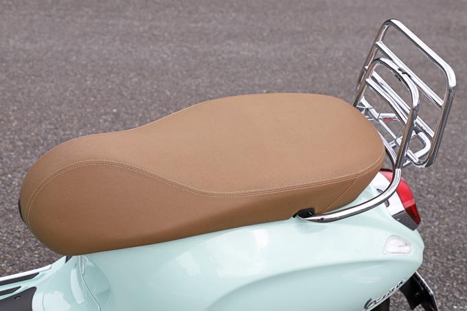 【ベスパ プリマベーラ150 試乗記】美しいボディラインが生み出す優雅さと、現代的な装備&走りを兼ね備えたイタリアンスクーターの15画像