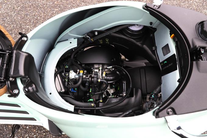 【ベスパ プリマベーラ150 試乗記】美しいボディラインが生み出す優雅さと、現代的な装備&走りを兼ね備えたイタリアンスクーターの18画像