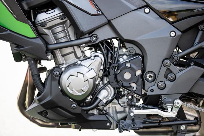 【カワサキ VERSYS 1000 SE 試乗記】バイクの楽しさはそのまま、疲れを軽減するSHOWAスカイフックテクを採用した2021年式欧州モデルをインプレッションの19画像
