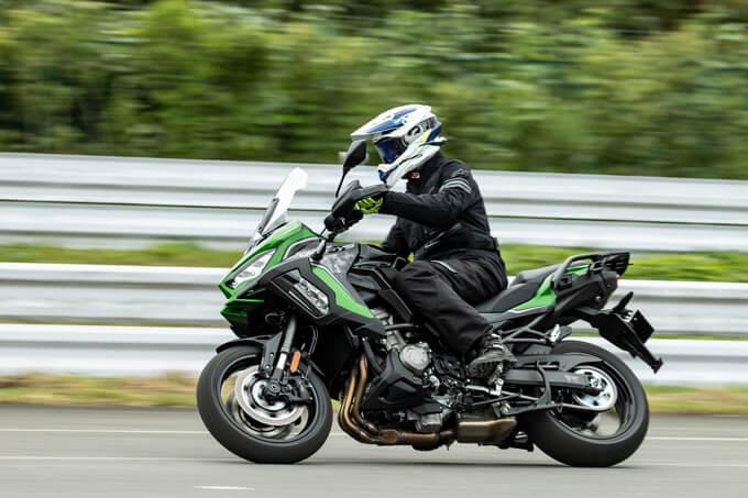 【カワサキ VERSYS 1000 SE 試乗記】バイクの楽しさはそのまま、疲れを軽減するSHOWAスカイフックテクを採用した2021年式欧州モデルをインプレッション メイン画像