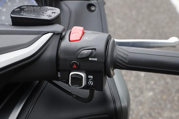 """【ヤマハ TMAX560 テックマックス ABS 試乗記】排気量アップで走りと快適性がさらに進化!スクーターを超えた""""オートマチックスポーツ""""の13画像"""