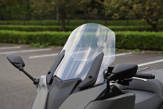 """【ヤマハ TMAX560 テックマックス ABS 試乗記】排気量アップで走りと快適性がさらに進化!スクーターを超えた""""オートマチックスポーツ""""の20画像"""