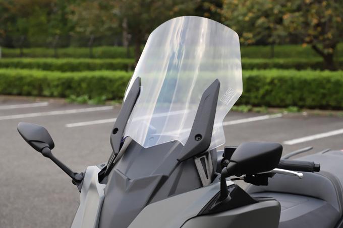 """【ヤマハ TMAX560 テックマックス ABS 試乗記】排気量アップで走りと快適性がさらに進化!スクーターを超えた""""オートマチックスポーツ""""の21画像"""