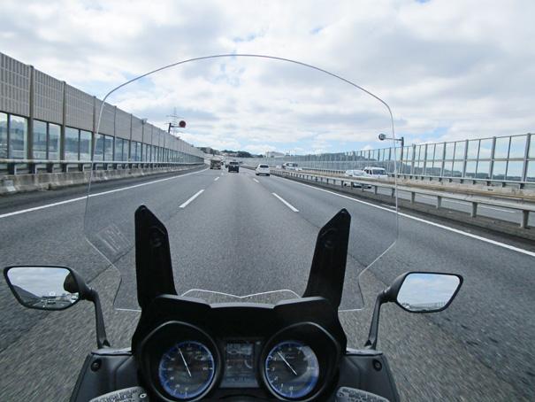 """【ヤマハ TMAX560 テックマックス ABS 試乗記】排気量アップで走りと快適性がさらに進化!スクーターを超えた""""オートマチックスポーツ""""の22画像"""