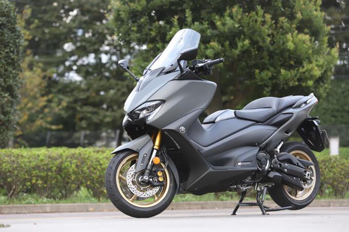 """【ヤマハ TMAX560 テックマックス ABS 試乗記】排気量アップで走りと快適性がさらに進化!スクーターを超えた""""オートマチックスポーツ""""のメイン画像"""