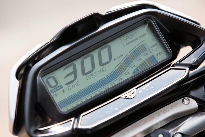 【MVアグスタ ドラッグスター800 RR SCS 試乗記】クラッチ操作ほぼ必要なし! エキサイティングな走りがイージーに楽しめる24画像の試乗インプレッション