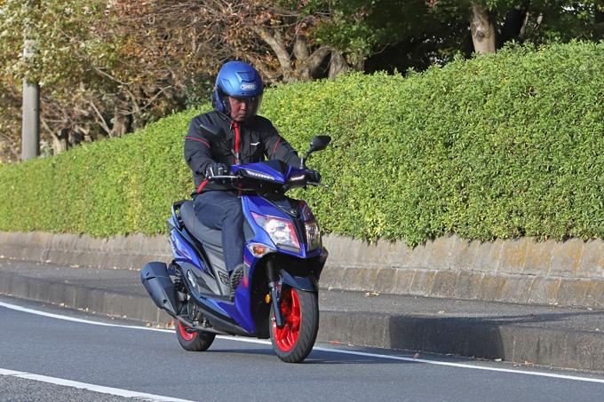 【SYM ジェットS 試乗記】軽いハンドリングと強力なダッシュが楽しい台湾発の125ccスポーツスクーターの05画像