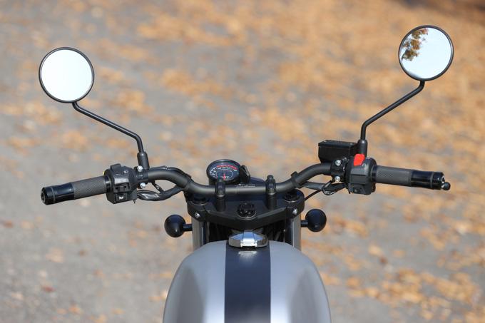 【マット アキタ250試乗記】イギリスのビルダーが生み出した、空冷単気筒のカスタムバイクの12画像