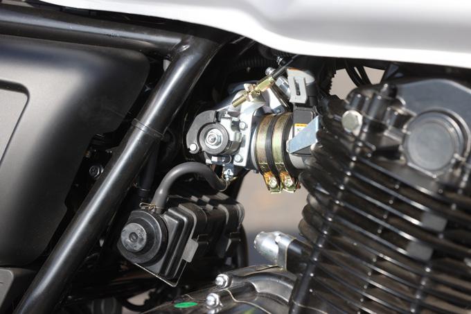 【マット アキタ250試乗記】イギリスのビルダーが生み出した、空冷単気筒のカスタムバイクの19画像