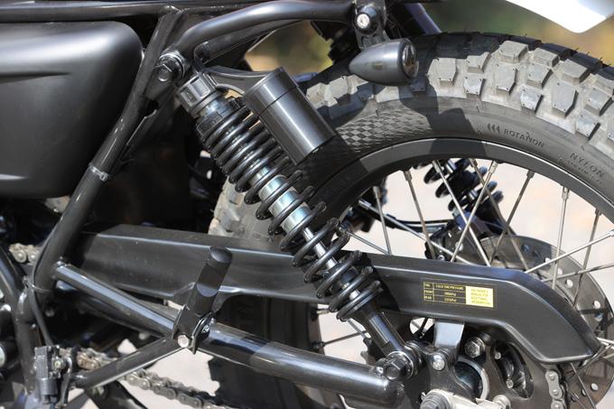 【マット アキタ250試乗記】イギリスのビルダーが生み出した、空冷単気筒のカスタムバイクの22画像