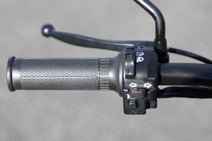 【ブリット ヘリテイジ50 試乗記】バイクの楽しみ方の原点を知るベルギー発の50ccレジャーマシンの12画像