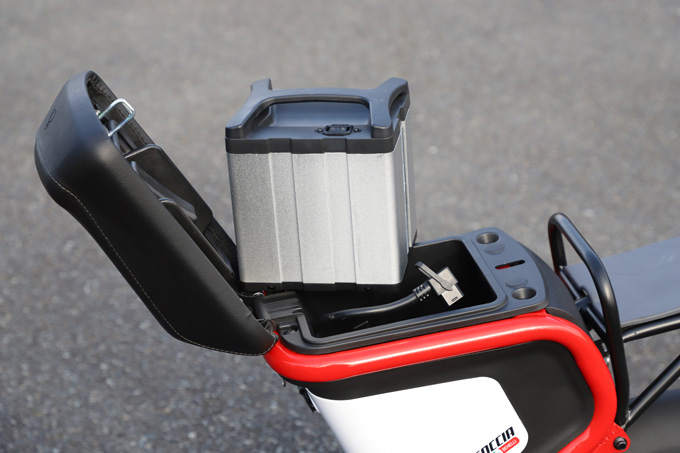 【ゴッチア GEV600 試乗記】イタリアンデザインが魅力の気軽に乗れる電動スクーターの17画像