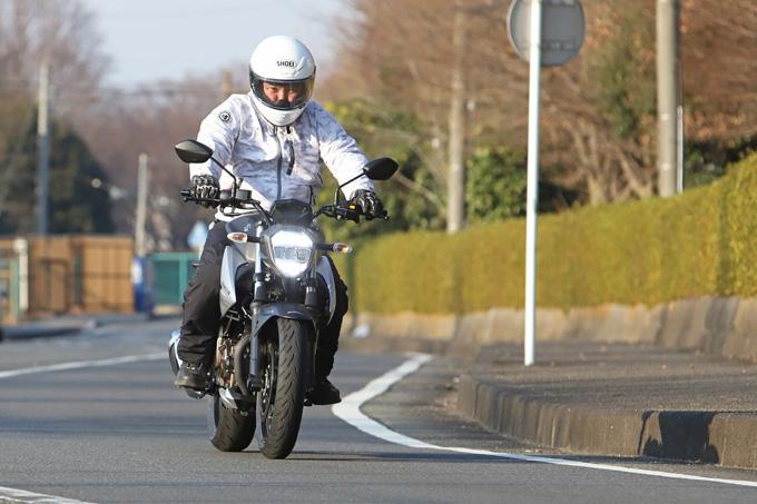 【スズキ ジクサー250 試乗記】軽くてパワフル!! 気軽に乗れるコスパの高いライトウェイトスポーツの09画像