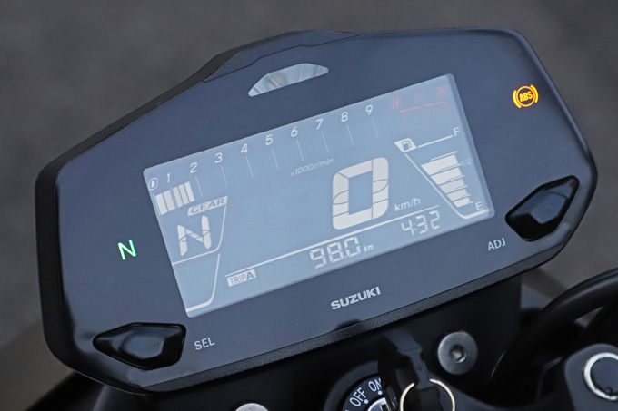 【スズキ ジクサー250 試乗記】軽くてパワフル!! 気軽に乗れるコスパの高いライトウェイトスポーツの11画像