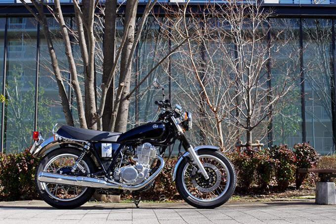 【ヤマハ SR400 試乗記】未来永劫語り継がれるシアワセバイクメイン画像
