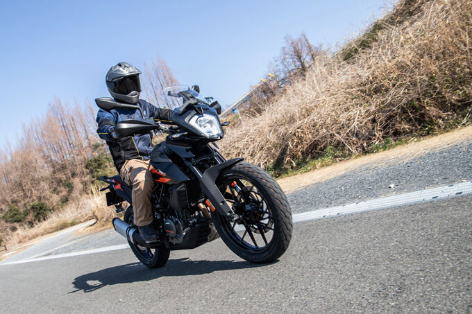 【KTM 250アドベンチャー 試乗記】手堅い構成と価格で、日本車勢に真っ向勝負を挑む メイン画像