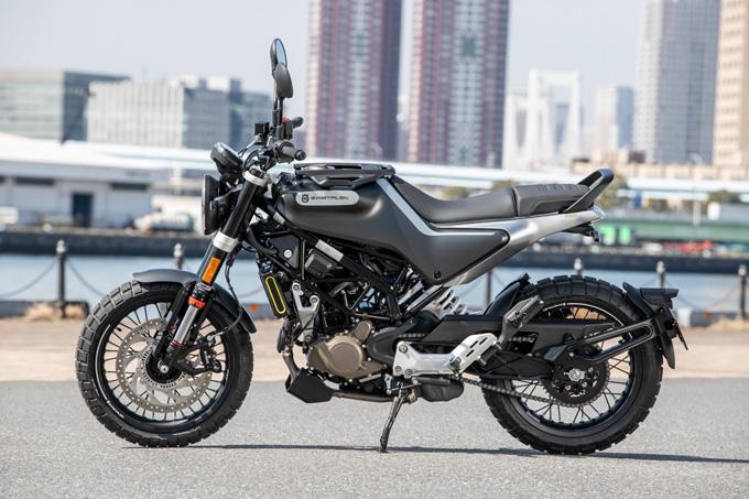 【ハスクバーナ スヴァルトピレン 125 試乗記】高回転型エンジンの旨味を堪能できる、400ccクラスのブレーキ&サスペンションの02画像