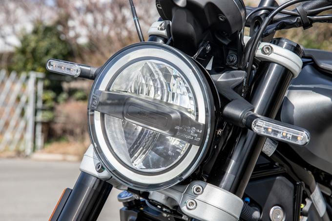 【ハスクバーナ スヴァルトピレン 125 試乗記】高回転型エンジンの旨味を堪能できる、400ccクラスのブレーキ&サスペンションの08画像