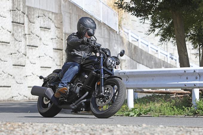 【ホンダ レブル1100 DCT 試乗記】ホンダの新世代クルーザーの長兄は乗りやすく、スポーティな走りもおまかせの05画像