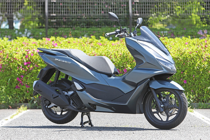 【ホンダ PCX160 試乗記】人気の軽2輪スクーターがフルモデルチェンジ!排気量アップ&各部がさらに進化して登場の01画像