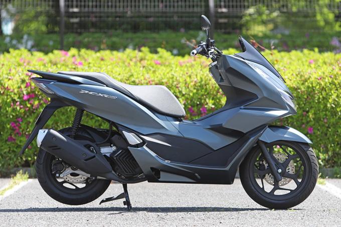 【ホンダ PCX160 試乗記】人気の軽2輪スクーターがフルモデルチェンジ!排気量アップ&各部がさらに進化して登場の06画像