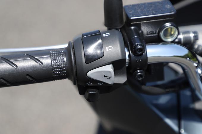 【ホンダ PCX160 試乗記】人気の軽2輪スクーターがフルモデルチェンジ!排気量アップ&各部がさらに進化して登場の14画像