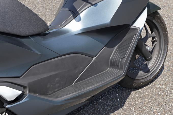 【ホンダ PCX160 試乗記】人気の軽2輪スクーターがフルモデルチェンジ!排気量アップ&各部がさらに進化して登場の19画像