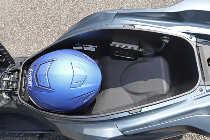 【ホンダ PCX160 試乗記】人気の軽2輪スクーターがフルモデルチェンジ!排気量アップ&各部がさらに進化して登場の22画像