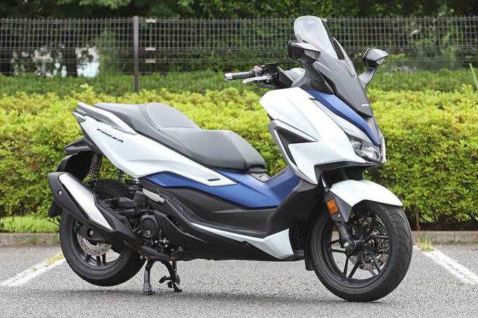 【ホンダ フォルツァ 試乗記】250ccクラススクーターの雄が新エンジンとフレーム改良でモデルチェンジの01画像