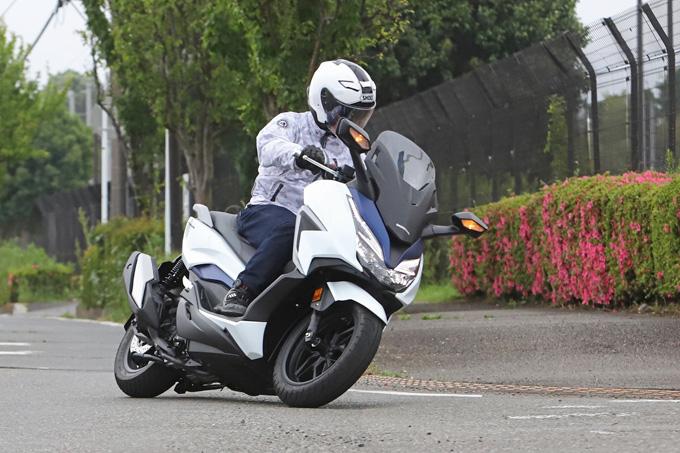 【ホンダ フォルツァ 試乗記】250ccクラススクーターの雄が新エンジンとフレーム改良でモデルチェンジの05画像