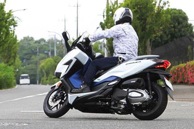 【ホンダ フォルツァ 試乗記】250ccクラススクーターの雄が新エンジンとフレーム改良でモデルチェンジの10画像