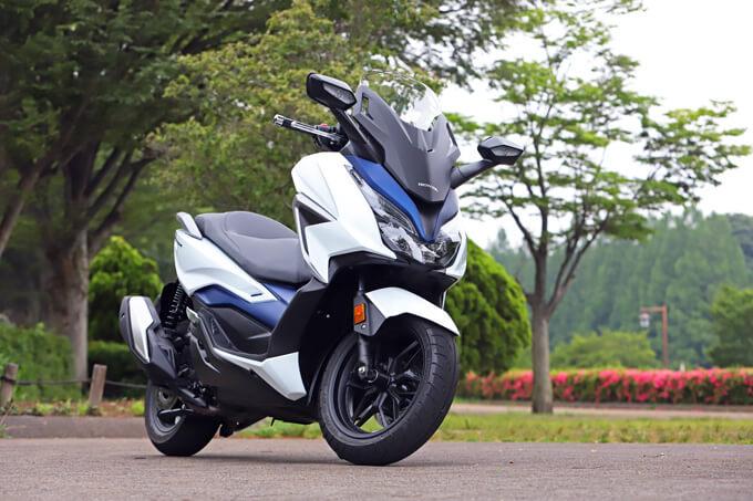 【ホンダ フォルツァ 試乗記】250ccクラススクーターの雄が新エンジンとフレーム改良でモデルチェンジのメイン画像