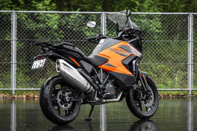 【KTM 1290スーパーアドベンチャーS/R 試乗記】ACCで高速クルーズがさらに楽で安全に!ガチオフ仕様の「R」も過激に優しく全方位進化!の02画像