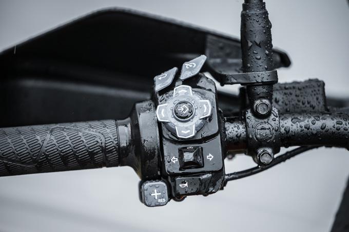 【KTM 1290スーパーアドベンチャーS/R 試乗記】ACCで高速クルーズがさらに楽で安全に!ガチオフ仕様の「R」も過激に優しく全方位進化!の19画像