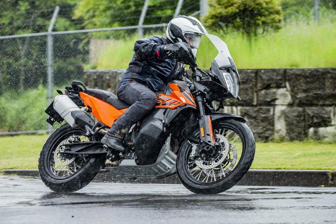 【KTM 890 ADVENTURE/R試乗記】パンチが増して林道トレックもより快適に、アドベンチャーを超えたガチオフ性能だ!の10画像