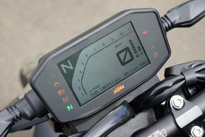 【KTM 890 DUKE 試乗記】とびきりのスポーツ性能と扱いやすさが共存の19画像