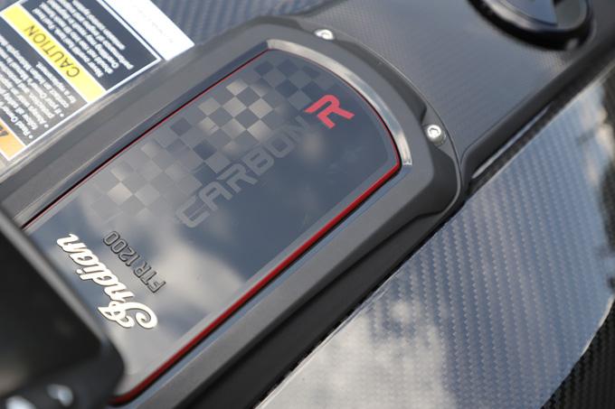 【インディアン FTR Rカーボン 試乗記】迫力のフラットトラック・レーサーレプリカが扱いやすいロードスポーツへと進化の20画像