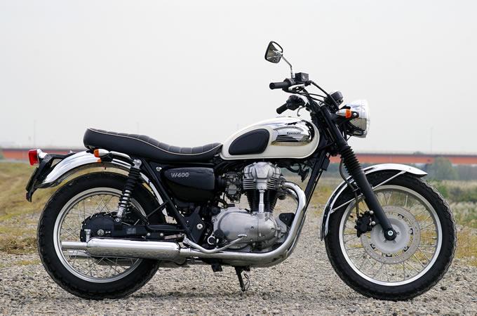 カワサキ W400 クロームバージョンの画像