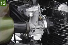 キャブレターもZ2-B純正。キャブレターはショップさんでオーバーホールされてピカピカ状態。その甲斐あってエンジンは絶好調。始動性も抜群。Z2-B後期モデルのアルミ製スロットルプーリー仕様だ。