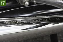 マフラーはA4/A5/D1に装着されていた「S76」刻印タイプ。大きな凹やキズも無いので磨いて使おうと思うが、リプロパーツの新品マフラーも魅力的だ。