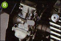 ⑧キャブレターは1100以来ケーヒンCVK36を使っていて、スロットル開度センサーのK-TRICも1100から継続採用される