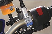 ブレンボRSCマスター用ミラーホルダーもWRの削り出し