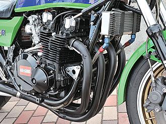 エンジンは、ワイセコのピストンによってφ69.4→73mmにボアアップ、排気量を1105ccとし、圧縮比は9.2→10.25に高められる。カムシャフトをヨシムラST-2とし、バルブスプリングにも専用のヨシムラ製が用いられる。