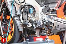 '08年モデルでライバルに劣った加速と最高速を改善すべく、エンジンは細部見直しを図った。シーズン中も改良は続き、第9戦ドイツGP、第11戦チェコGPで新バージョンを投入している