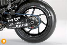 '09年中盤からは、前後ホイールはマルケジーニのマグネシウム鍛造品に変更されている