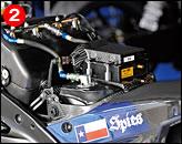 ②マニエッティ・マレリに換装された電子制御は市販車よりも明らかに高度化。エアボックスはカーボン製である